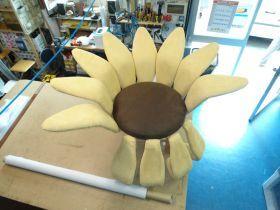 A sunflower-shaped chair, with adjustable petals. #madeinitaly #artigianato #chair #poltrona
