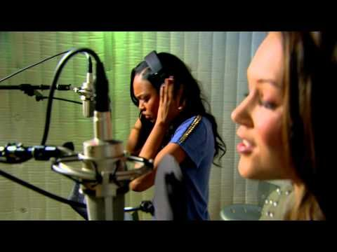 China Anne McClain & Kelli Berglund 'Something Real' From Disney Channel's How to Build a Better Boy  - http://oceanup.com/2014/08/08/china-anne-mcclain-kelli-berglund-something-real-from-disney-channels-how-to-build-a-better-boy/