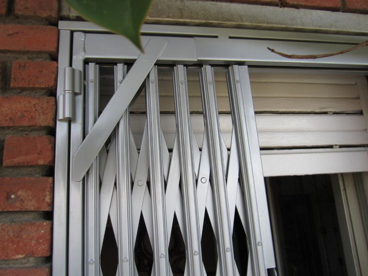 M s de 25 ideas fant sticas sobre rejas para puertas en for Estilos de puertas metalicas