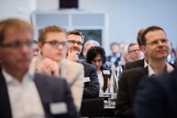 Siemens, Dürr, Jungheinrich, DHL: Unternehmen geben Einblick in die Praxis ihrer digitalen Supply Chain - http://www.logistik-express.com/siemens-duerr-jungheinrich-dhl-unternehmen-geben-einblick-in-die-praxis-ihrer-digitalen-supply-chain/