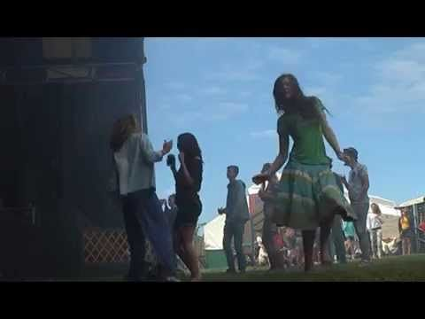 Victim Victim verrast volk van Oerol - YouTube