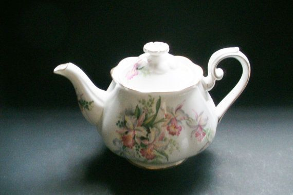 Roslyn Bone China 'Sweet Romance' Teapot by SuzquisTreasures