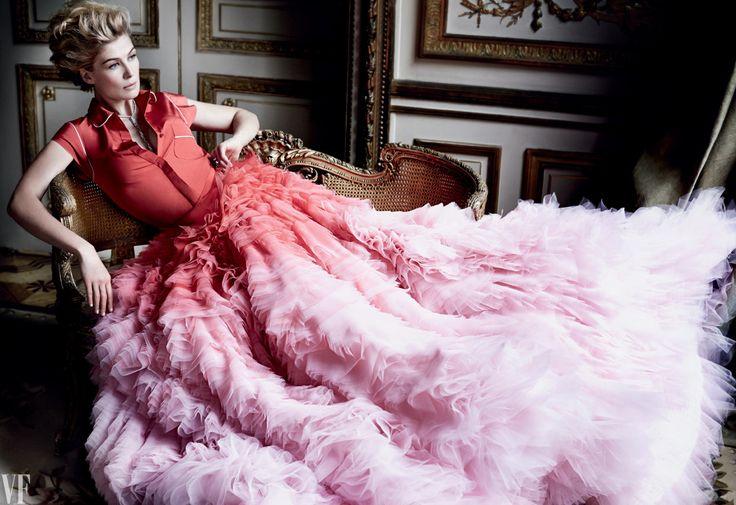 Rosamund Pike   Skirt and top by Giambattista Valli Fall 2014 Couture   Photog: Mario Testino   Vanity Fair February 2015