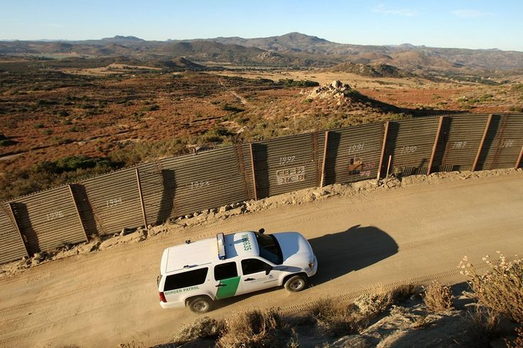 La construcción eventual del muro fronterizo entre Estados Unidos y México afectará los ecosistemas en común y la migración de algunas especies...