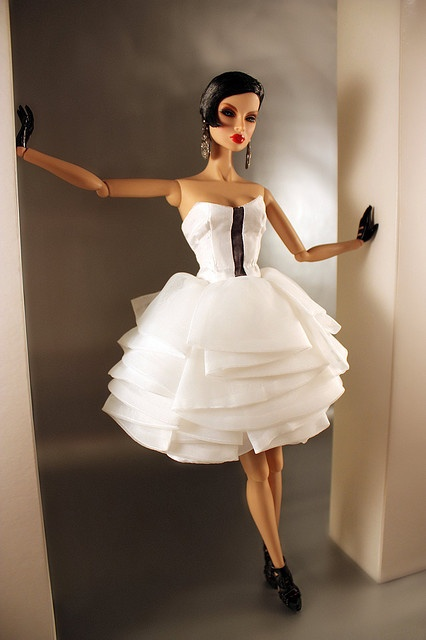 Fine layers - Fashion Royalty doll
