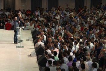 «Иисус любит тебя» — мужская конференция Никки Круза