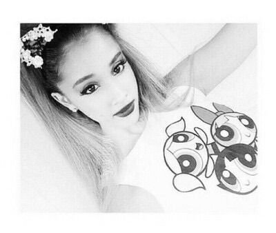 ||fc: Ariana grande|| hi I'm Ariana! I'm single but crushing! Hayes and Nash are my brothers