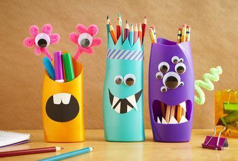 Pots à crayons monstres avec des bouteilles de shampoing