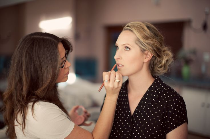 How to Do Makeup at Home Top Best Tricks - CNN Breaking News | CNN World News | Celebrity Gossip Sites | Entertainment Newz - http://www.training-a-puppy.info/how-to-do-makeup-at-home-top-best-tricks-cnn-breaking-news-cnn-world-news-celebrity-gossip-sites-entertainment-newz/