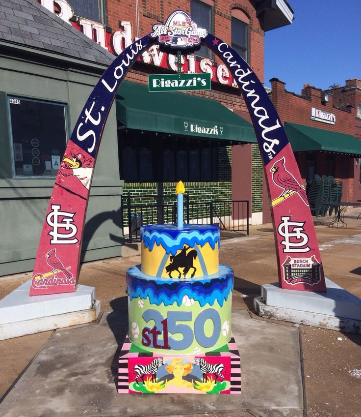 1 of 250 birthday cakes for St. Louis' 250th birthday - The Hill!
