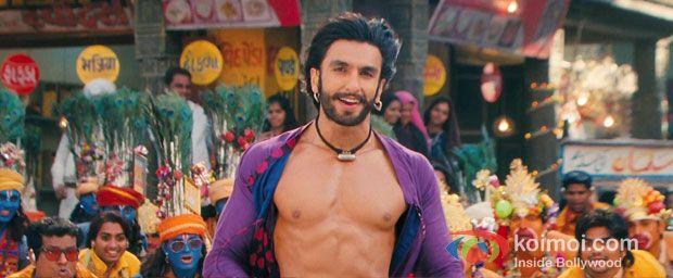 Ranveer Singh in Tattad Tattad (Ram-leela) o_o
