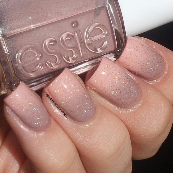 12 blush glitter manicure - Styleoholic