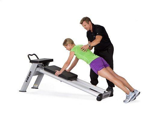 ¿Quieres conocer cómo mejorar tu forma física con un #CircuitoDeEntrenamiento? Atrévete con estos 5 ejercicios funcionales que podrás realizar en el circuito de máquinas de gimnasio de Total Gym, el Elevate Line.