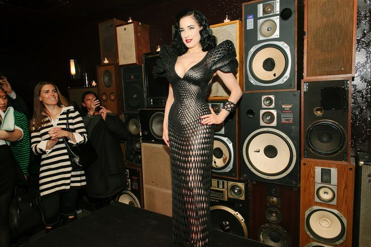 Dita Von Teese launching the 3D-printed dress Tech, fashion, style and futuristic developments. Dita Von Teese as well!