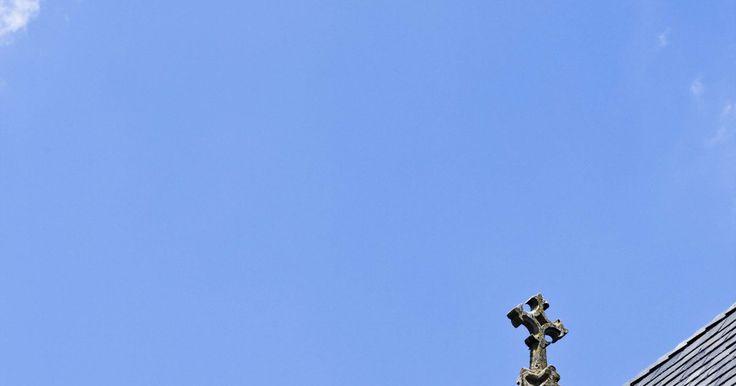 Las siete virtudes y sus símbolos. El Papa Gregorio el Grande (540-604 dC) fue el líder de la iglesia primitiva que clasificó los siete pecados capitales y los vinculó a las siete virtudes correspondientes, en un esfuerzo por alentar a la gente de su tiempo a cumplir con las leyes bíblicas. Predicó muchos sermones acerca de la segunda venida de Cristo, así como las torturas del ...