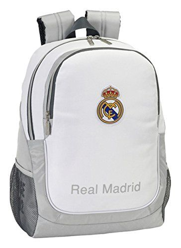 077134 Real Madrid Mochila Tipo Casual, Color Blanco y Gris https://images-eu.ssl-images-amazon.com/images/I/41Ecme5sWTL.jpg Tamaño: 32x44x16cm. Real Madrid big backpack. Adaptable a trolley. Adaptable to trolley. Con diseño Real Madrid Licencia 100% original Materiales de alta calidad