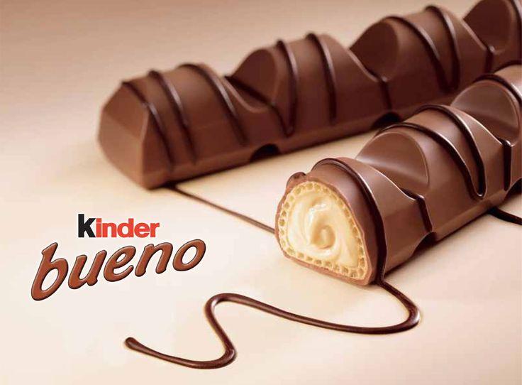 La véritable recette des Kinder Bueno us aurez besoin de : - Nutella - lait concentré sucré - 100 grammes de noisette - 3 cuillères à soupe de sucre glace - 6 cl de lait - gaufrettes - 1 tablette de chocolat au lait
