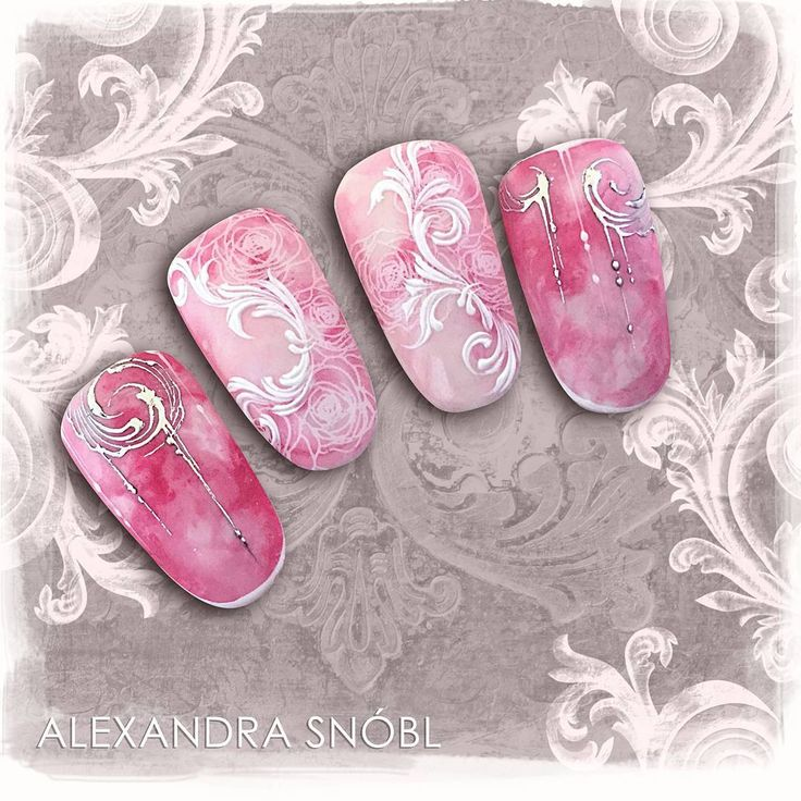 Nail art with Moyra Stamping Plate No. 06 Florality 1, Moyra Fuse One-Step Gel Lac No. 23, Moyra SuperShine Colour Gel No. 502 Snow, No. 523 Rocket, Moyra Magic Foil No. 01 Silver #moyra #nailart #stamping #plate #florality1 #supershine #colourgel #snow #sunshine #rocket #koromnyomda #koromdiszites #szineszsele #fuse #onestep #gellac #magicfoil #silver #korommatrica