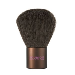 Το Bourjois Maxi Kabuki Powder Brush είναι ένα πολυτελές, μεγάλο πινέλο πούδρας, τύπου καμπούκι, που προσφέρει επαγγελματικό αποτέλεσμα. Έχει πυκνή σύνθεση, ώστε να απλώνετε πούδρα και τερακότα, σε πρόσωπο και ντεκολτέ.