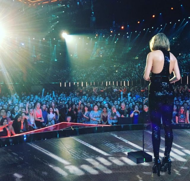 """Taylor Swift - The """"Innovative Award"""", """"Best Tour Award"""", """"Female Artist Of The Year"""" and """"Best Album Of The Year"""" - 2016 iHeartRadio Music Awards - Inglewood, CA. - April 03, 2016."""
