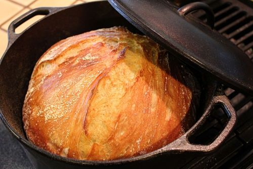 Amazing No-Knead Bread - Chewy and soft on the inside, crisp and crunchy on the outside