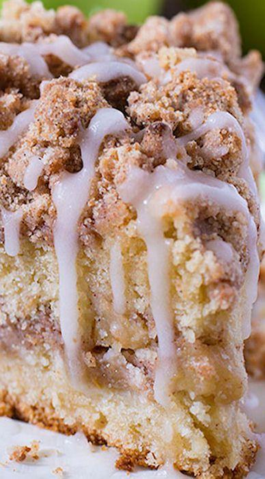 Cinnamon Apple Crumb Cake