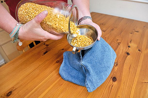 DIY Photography Hacks:  How to reduce camera shake with a bag of lentils.  I need to make this!!