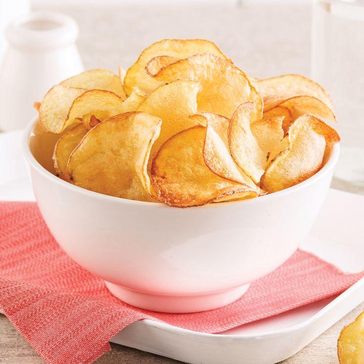 Les chips au micro-ondes offrent la même texture croquante dont on raffole tous! Essayez cette recette!