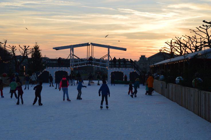 Skating at Museumplein