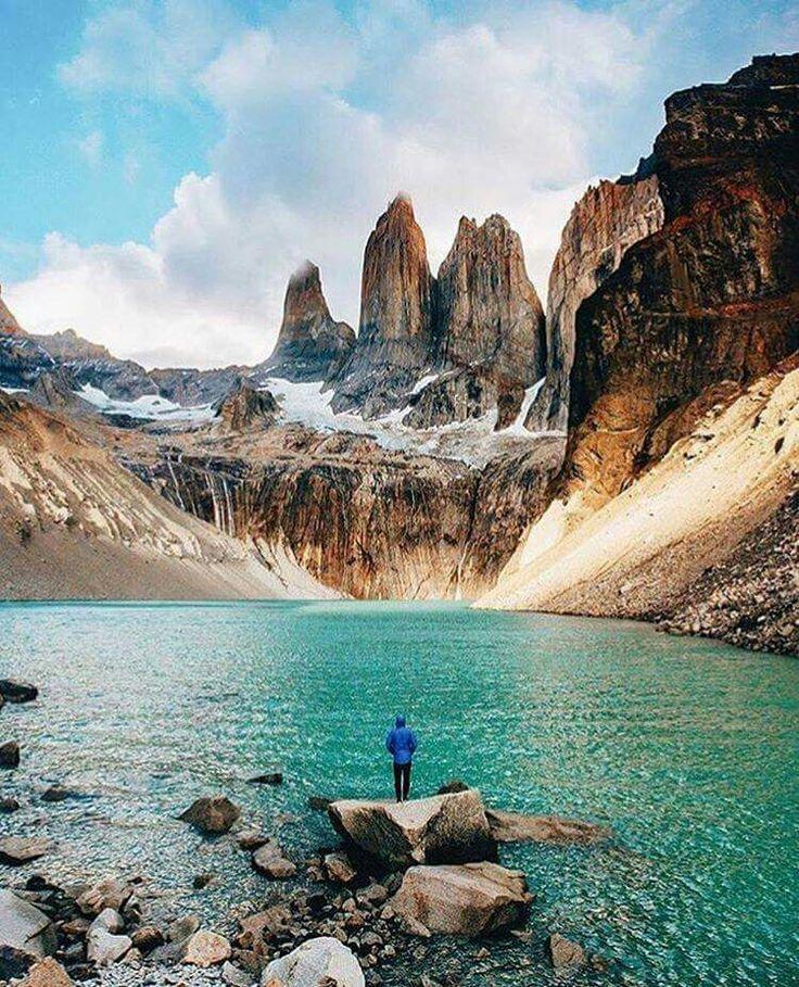 Les belles couleurs d'un lac dans le Parc national Torres del Paine, au Chili <3