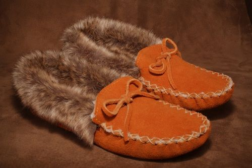 Lined moose suede fur trim moccasin slipper. #leather #Canada #handmade #Rockwood #Ontario #like #daily #fashion #hidesinhand