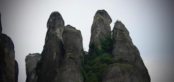 Meteora, Thessalia, Greece (more images at http://www.gogreecewebtv.com)