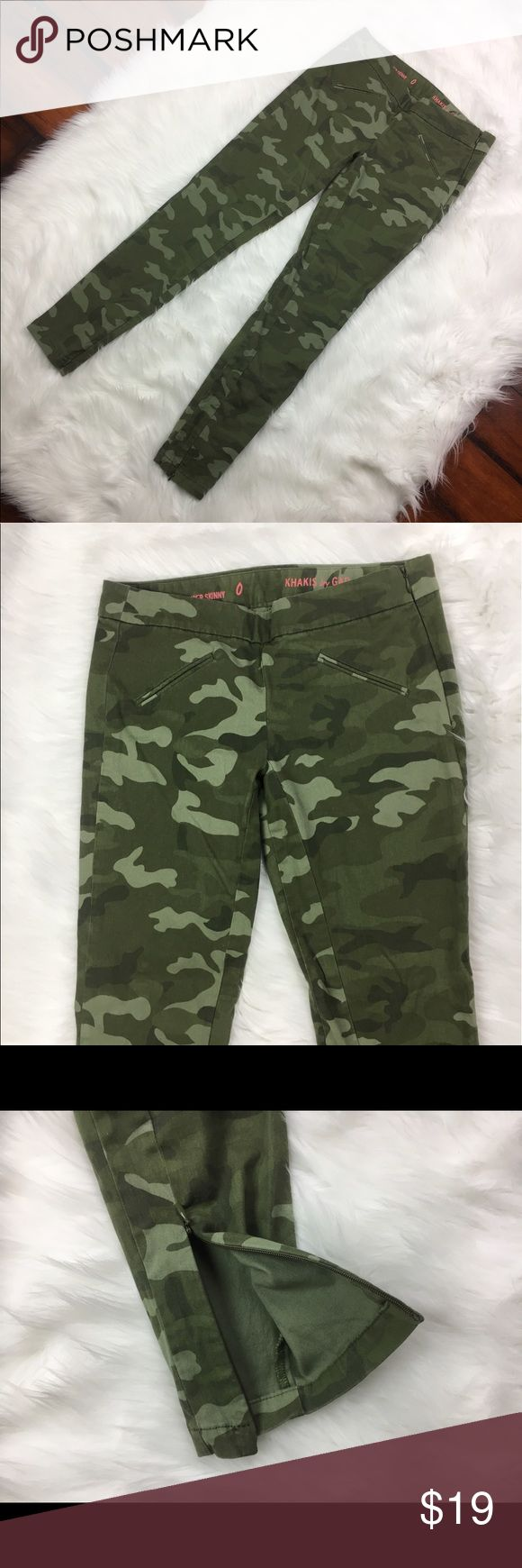 GAP Womens SUPER SKINNY Khakis Camouflage Army GAP Womens SUPER SKINNY Khakis Camouflage Army Print Zipper Ankle Pants Sz 0 D1 •Waist 14 Inches •Inseam 27 Inches •98% Cotton •2% Spandex GAP Pants Ankle & Cropped