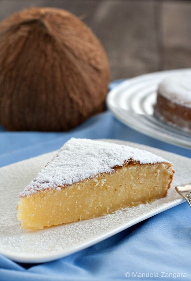 A very easy and moist cake: Condensed Milk and Coconut Cake, perfect for your kid's lunch box!
