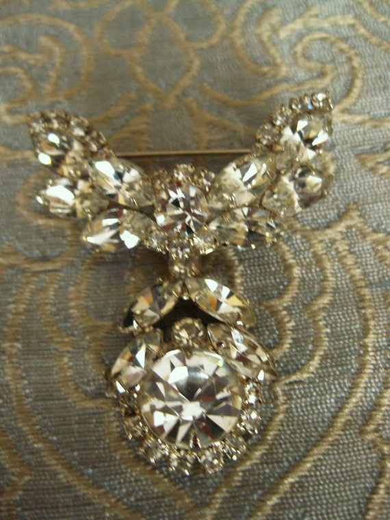 Stunning vintage rhinestone brooch by 4Seas on Etsy, $50.00