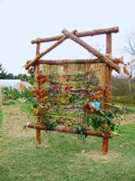 Earthloom. I want to make one of these. I love the design!