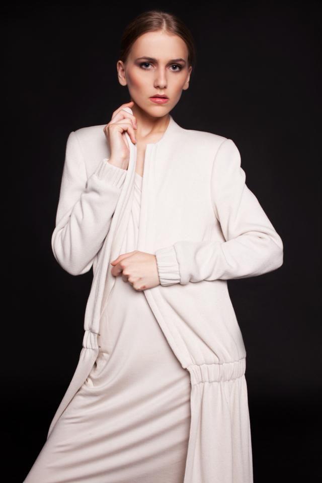 Kremowy płaszcz - Olga Passia