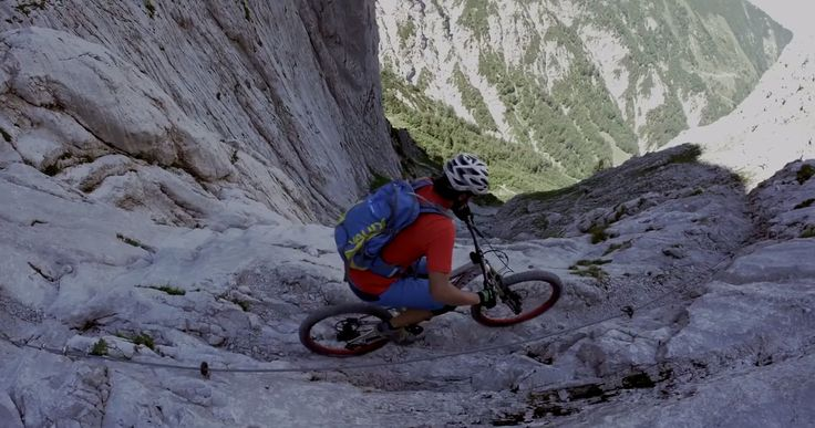 Is this how you would #BikeYourAdventure? ⁉️   VIDEO: http://snip.ly/hxdql?utm_content=buffer9f514&utm_medium=social&utm_source=pinterest.com&utm_campaign=buffer.   #extreme #mountainbike #mountainbiking #adventure #SteinerneRinne