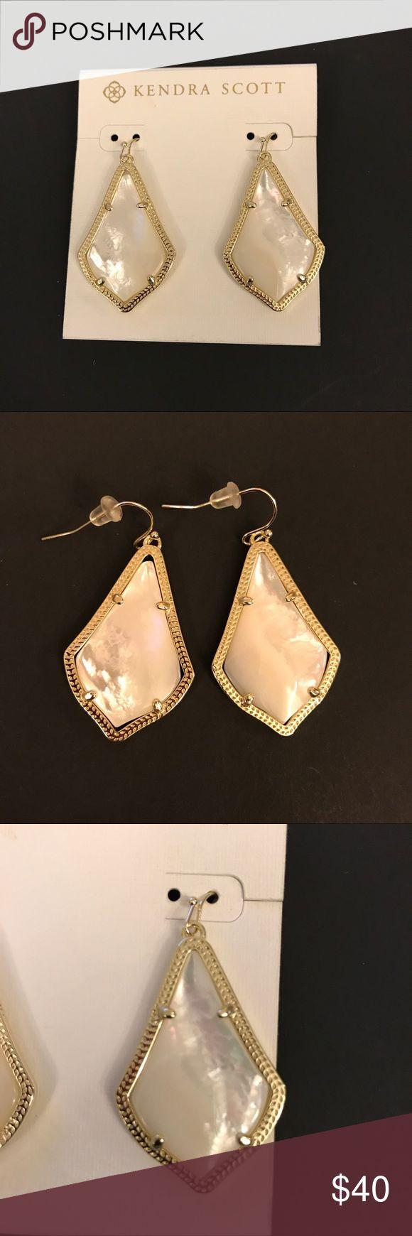 Kendra Scott Alex earring Kendra Scott Alex earring - mother of pearl earrings gold Kendra Scott Jewelry Earrings