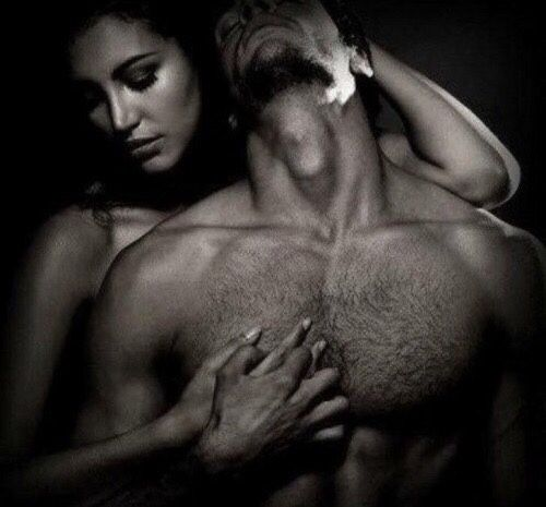 """profumodipassione2: """"desiderioindecente: """"""""Non basta desiderarsi, bisogna toccarsi.Le mani devono intrecciarsi, le anime devono """"incastrarsi""""…i corpi """"unirsi"""" I sentimenti hanno bisogno di voce, le emozioni di sospiri caldi…"""" """" Esatto!! """""""