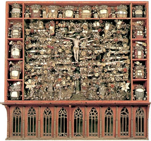 "The Kloster Bentlage shrine. Chock full of pretty bits! From the fabulous ""Medieval Silke Flowers"" site: roxelana.com/..."