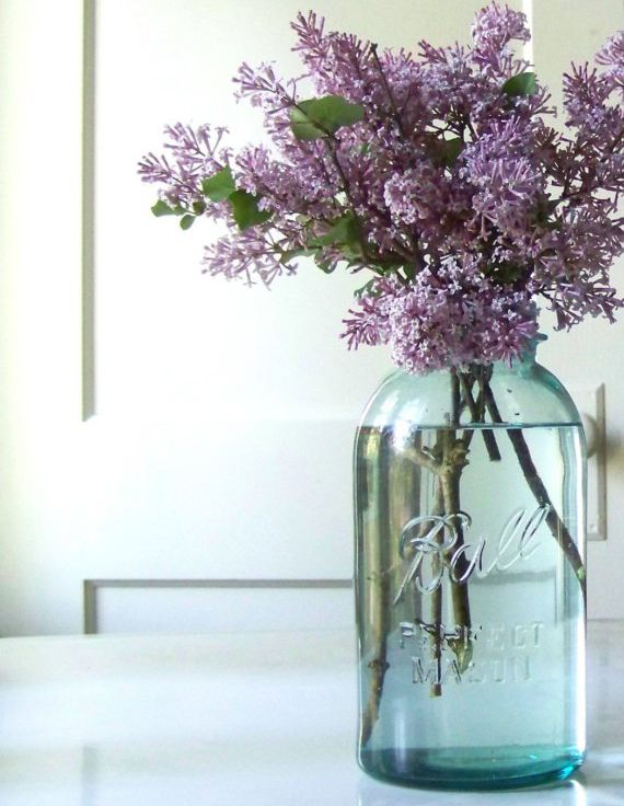 Lilac and the mason. Simple and very pretty!