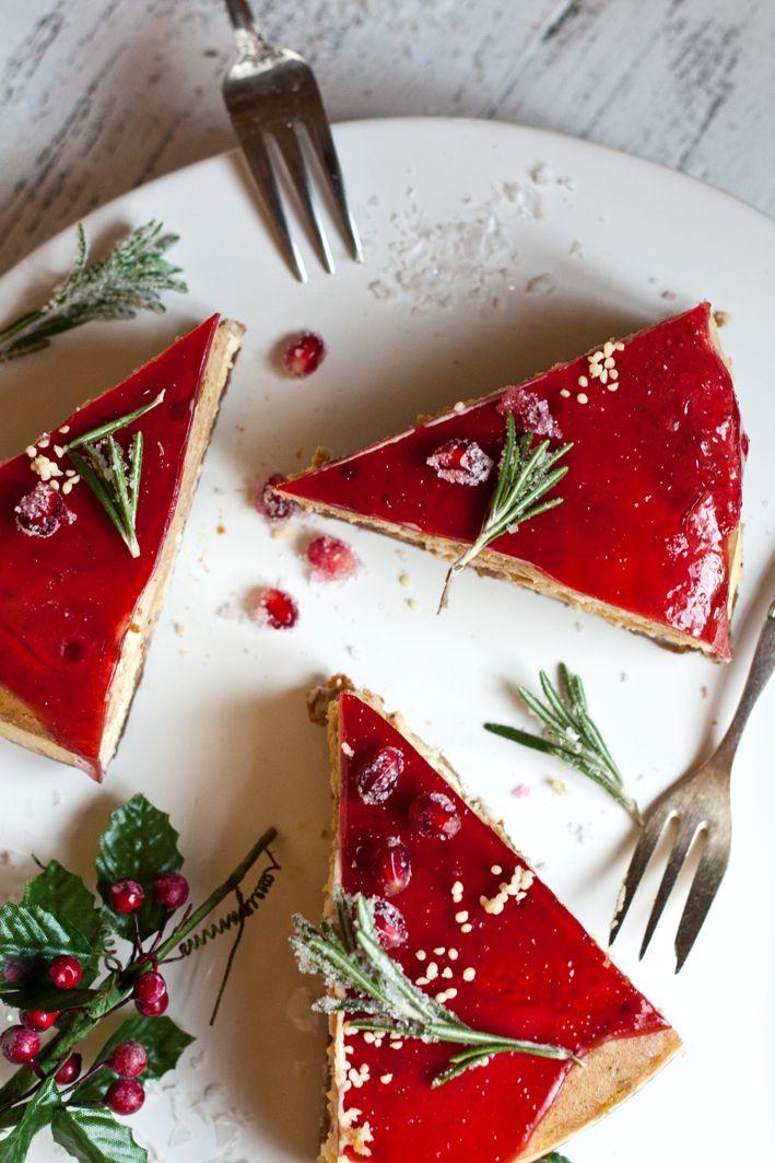 Christmas Cheesecake mit Marzipan-Lebkuchen-Füllung und Spekulatius-Boden.