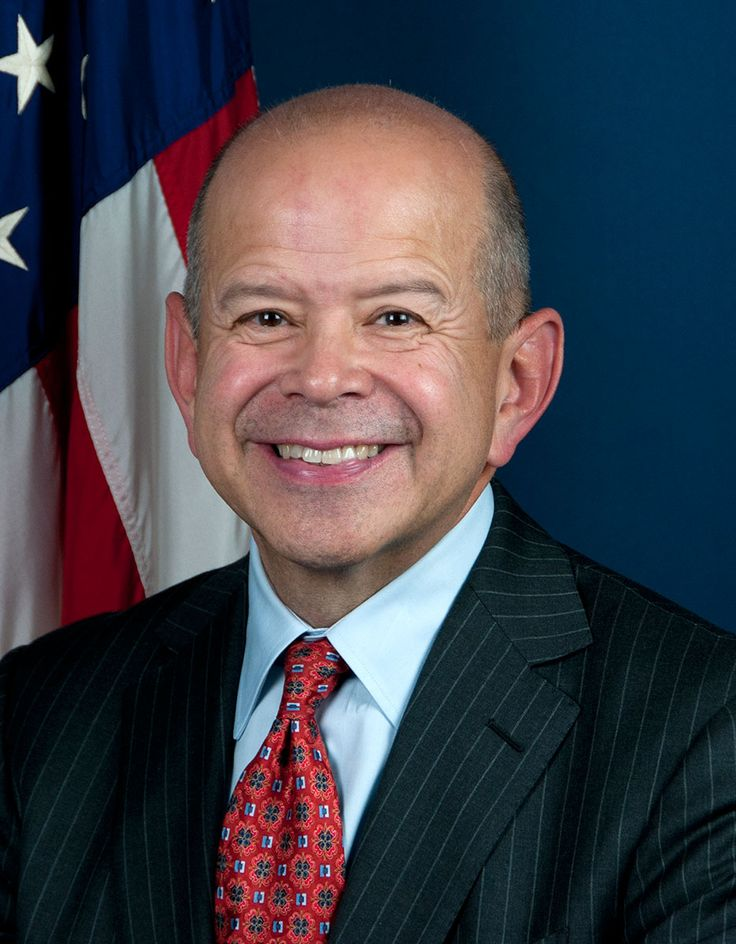 FAA: Michael Peter Huerta (D) 11/18/1956 is the Administrator of the Federal Aviation Administration. (FAA) From 1/7/2013 for a 5 year term & is responsible for the safety & efficiency of the largest aerospace system in the world. He oversees a $15.9 billion budget & more than 47,000 employees. Wikipedia.