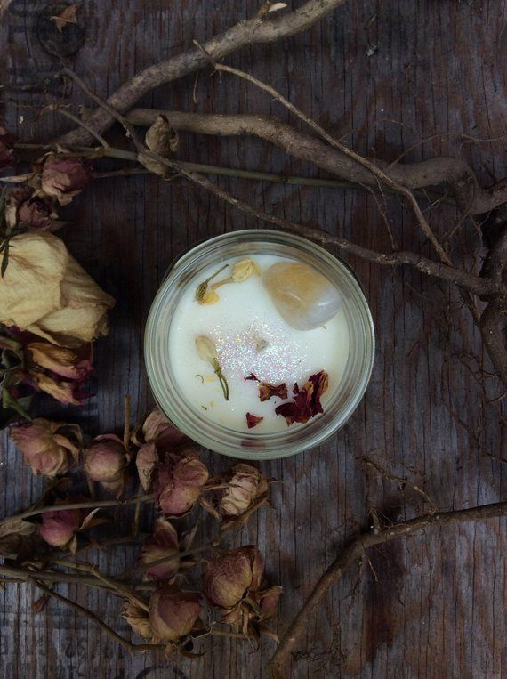 Full Moon Ritual – Crystal Candle Soy Candle- WITCHCRAFT – Artisanal Small Batch Hand Poured Made in New England Soy Candle