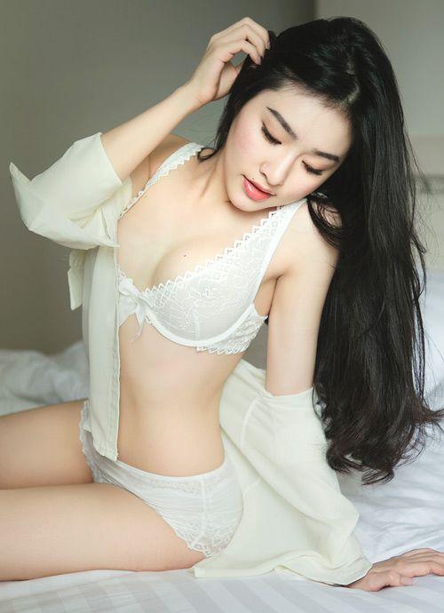 Pose - Con gái Đà Lạt đẹp và gợi cảm lắm