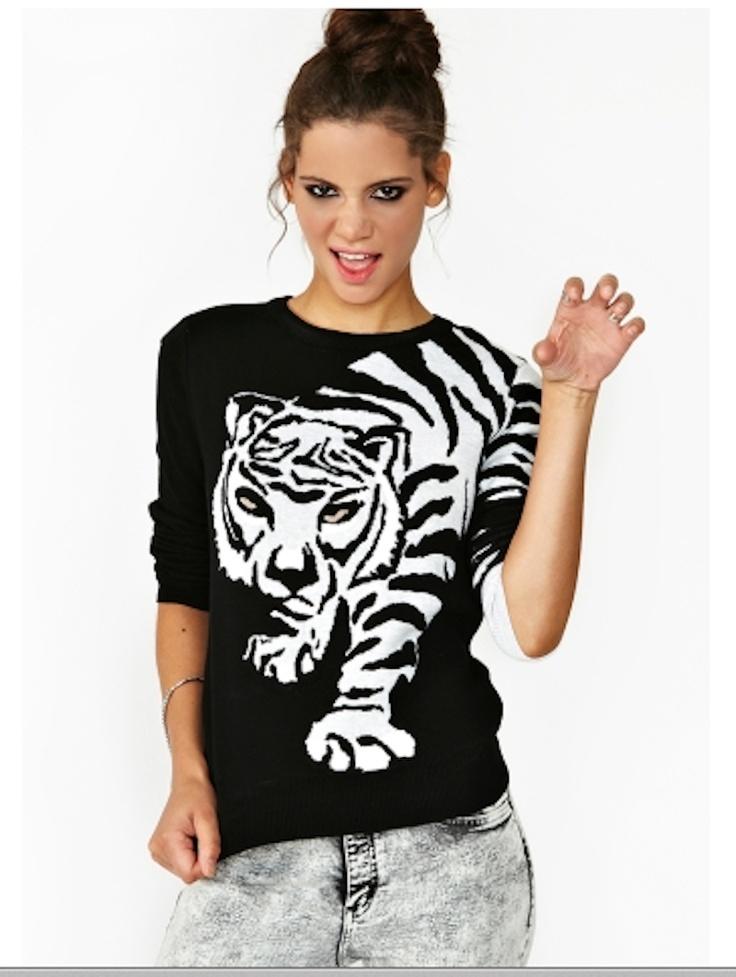 amanda marzolini the fashionamy, black and red sweaters and tigers, cool sweaters, idee felpe e maglioni, maglioni con tigre, rossi, rossi e neri,