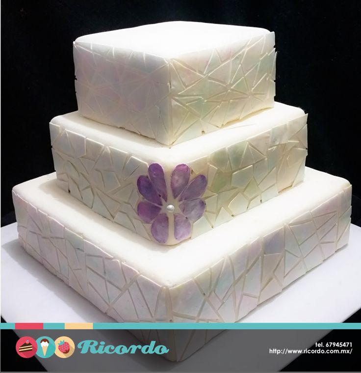 #MiercolesDeGaleria Mosaico de bodas Moderno pastel de bodas. Se pueden ajustar los colores y agregar decoración de acuerdo a su gusto. #catalogoRICORDO #pastel #fondant #fondantcake #boda #pasteldeboda #wedding #weddingcake #expoboda