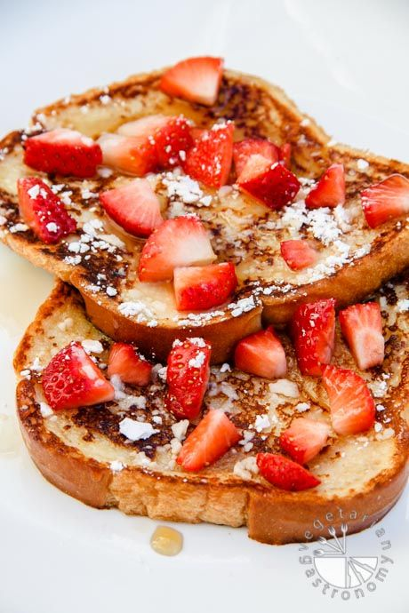 Eggless French Toast recipe | #vegan | www.vegetariangastronomy.com