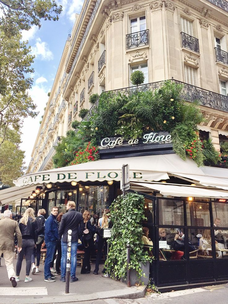 3 days in Paris itinerary - Cafe de Flore Paris